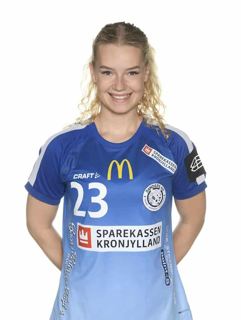 #23 Tania KNUDSEN